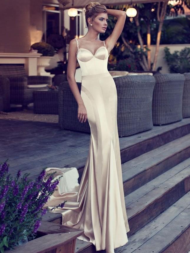 Коллекция платья италия с золотым значком