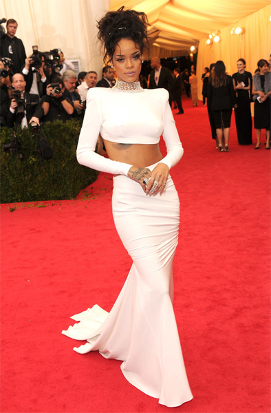 rihanna-at-met-gala-2014