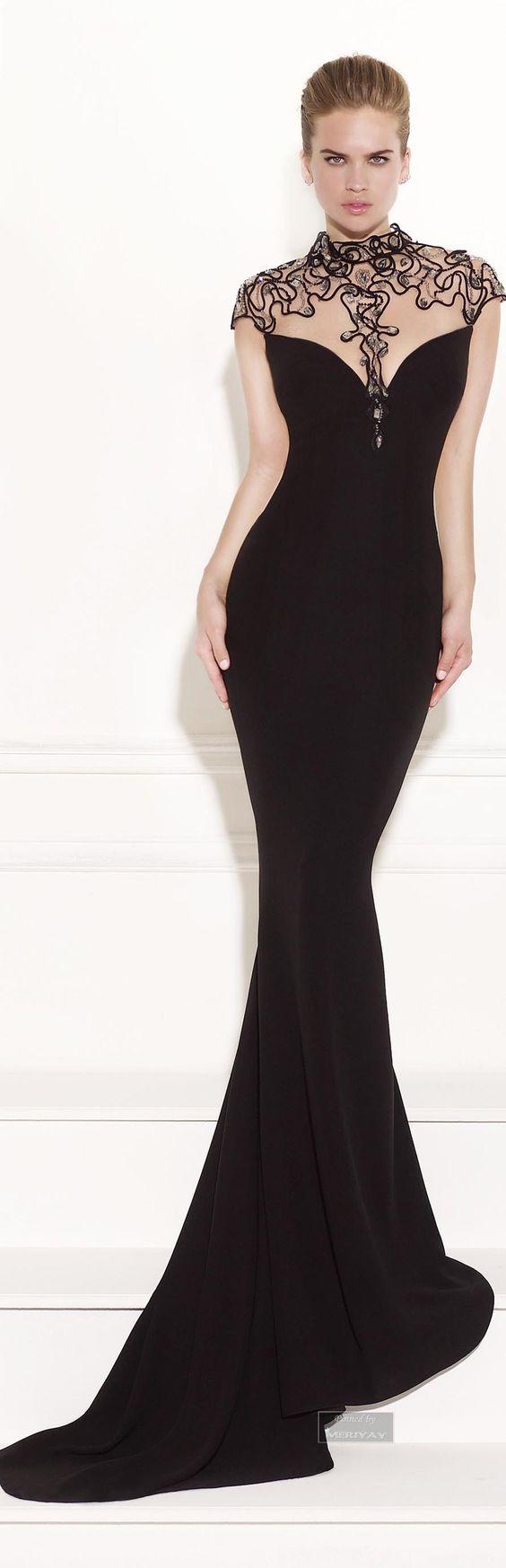 8aab9488465 Надев чёрное облегающее платье