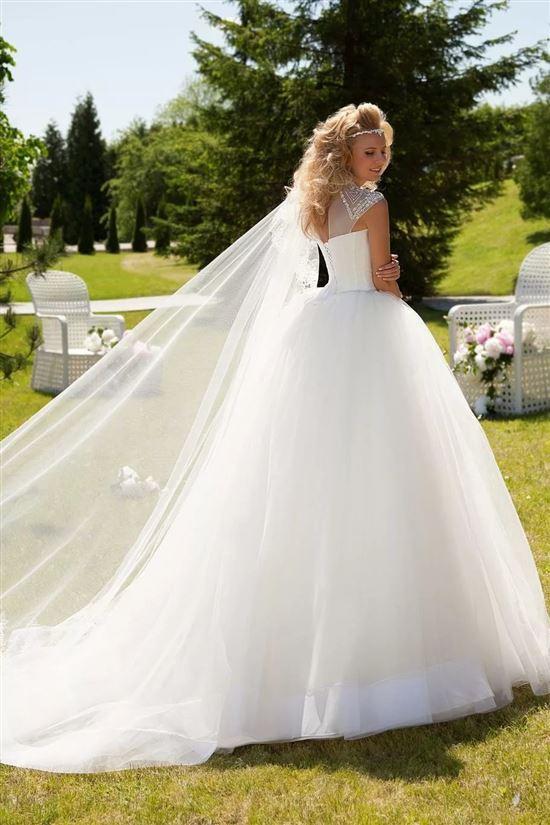 люблю фото свадебных пышных платьев с фатой приглашать или