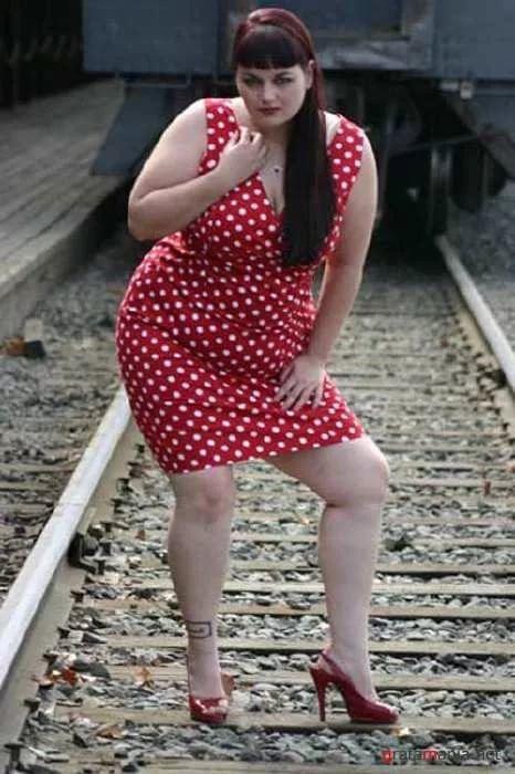 всего рудные фото толстушек в коротком платье каком комфорте может