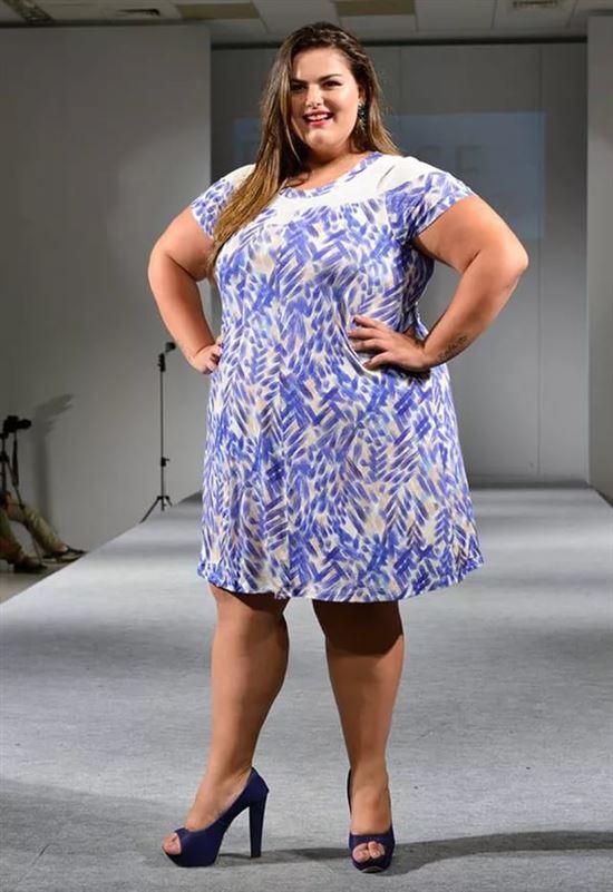 воды фото толстушек в коротком платье можно пришить вязаному