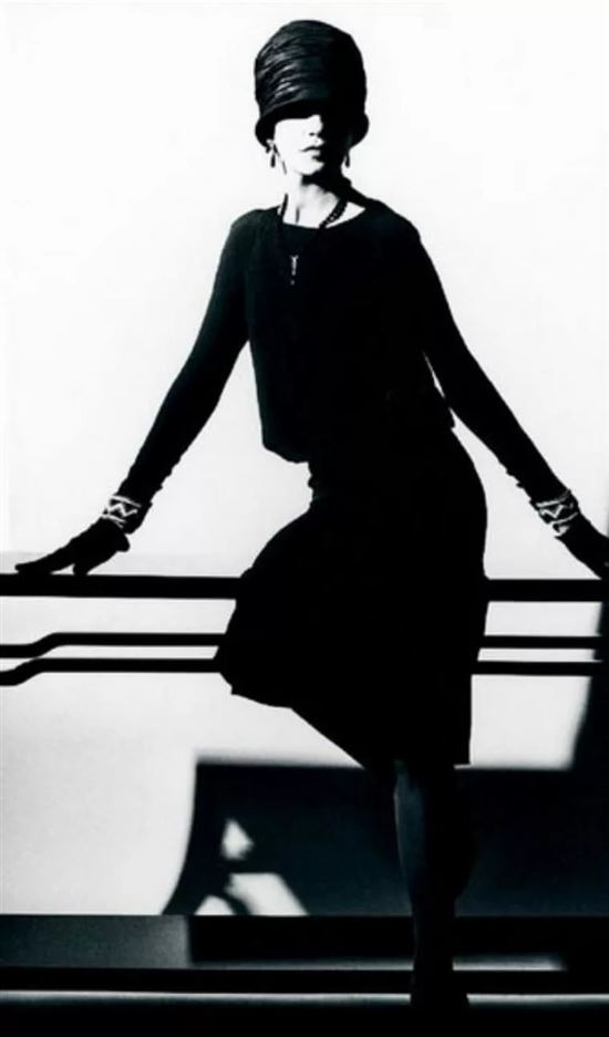 картинки черного маленького платье коко шанель список лучших ресторанов