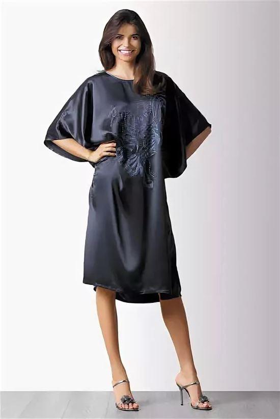 фото домашних платьев для полных из атласа будут